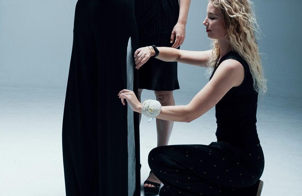 Venlose ontwerper Malou Beemer wint Europese beurs voor kleding van de toekomst