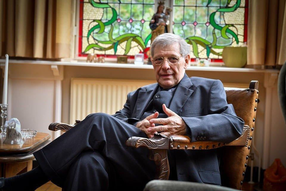 """Deken Jos Spee 40 jaar priester: """"Tijdens corona zag je dat mensen weer meer oog voor elkaar kregen"""""""